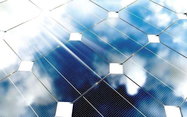 Graphene Based Solar Cells for Solar Applications