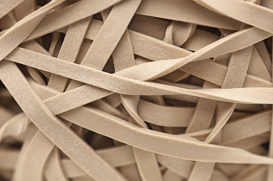 The Graphene Rubber Band