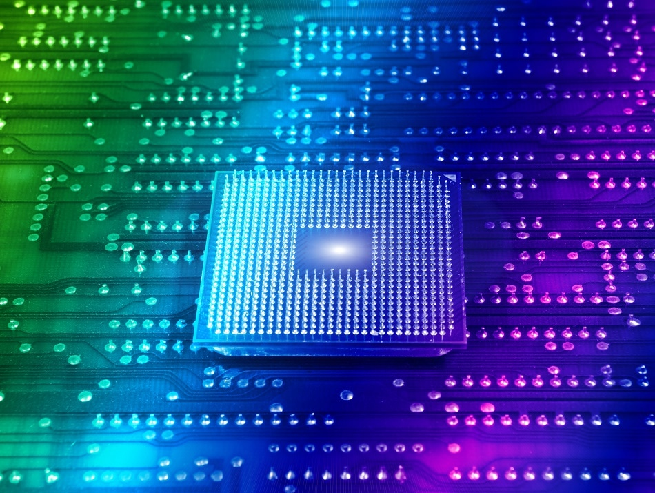 Semiconductors in Nanotechnology - How Does Getting Smaller Benefit Them?