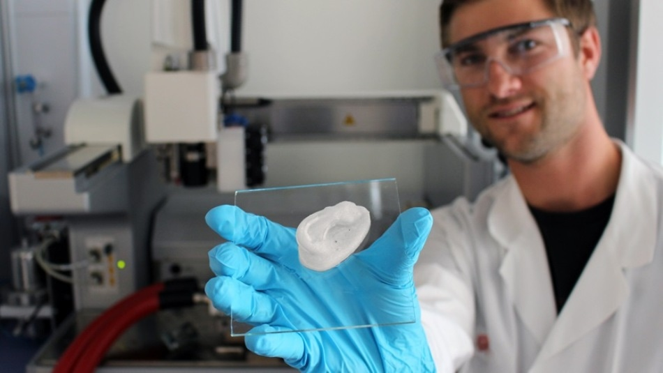 Empa Researcher Uses 3D Printing to Create Nanocellulose-Based Composites for Novel Implants