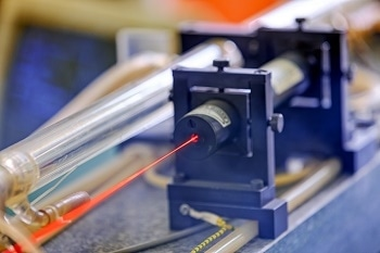 Researchers Use Optical Tweezers to Assemble Nanoscale Components into Larger Structures