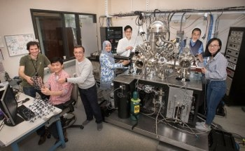 Scientists Trap Noble Gas in a 2D Porous Structure at Room Temperature