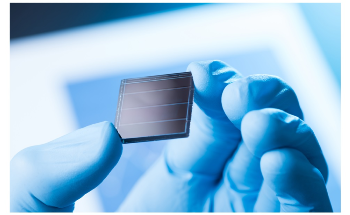 Graphene Combined with Tandem Perovskite-Silicon Solar Cells to Increase Efficiency